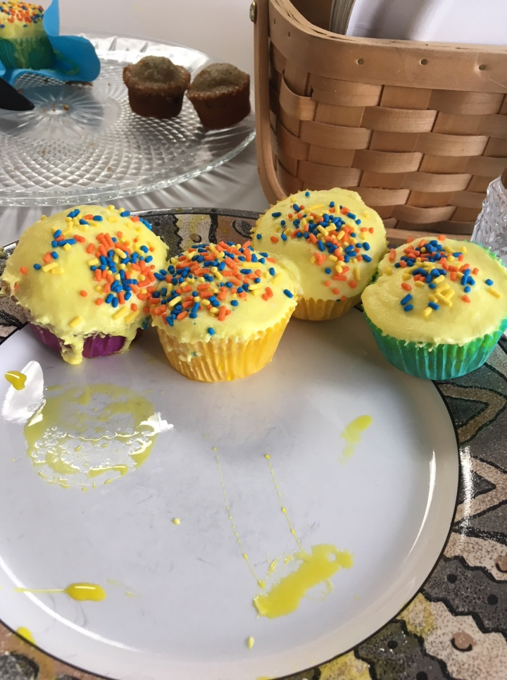 Large cupcakes and tiny muffins